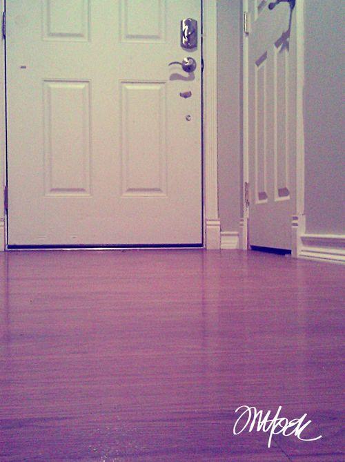 undomestic_diva_doorway
